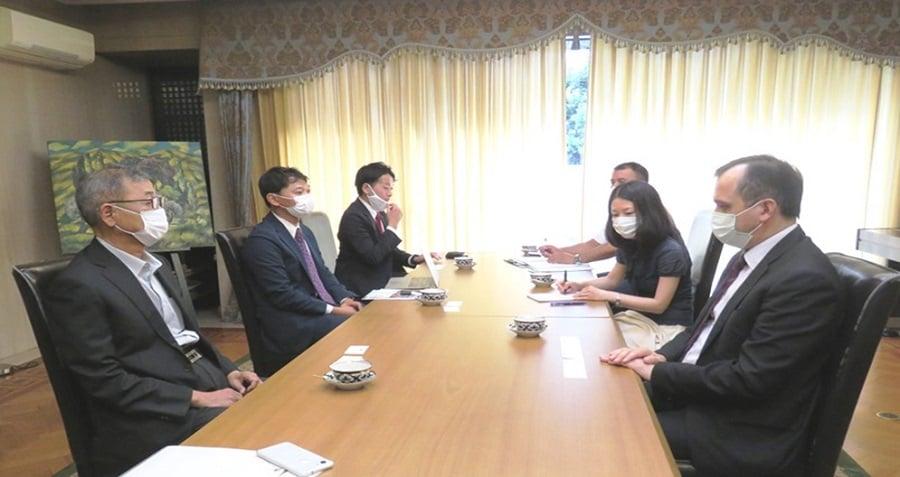 ウズベキスタン大使館にてファジロフ駐日ウズベキスタン大使と会議を実施しました!